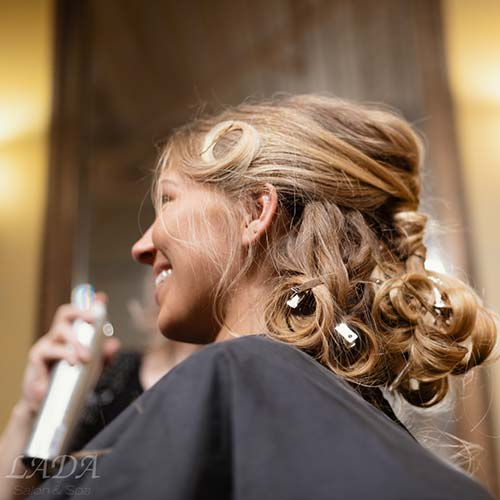 In-Salon-Hair-Curl